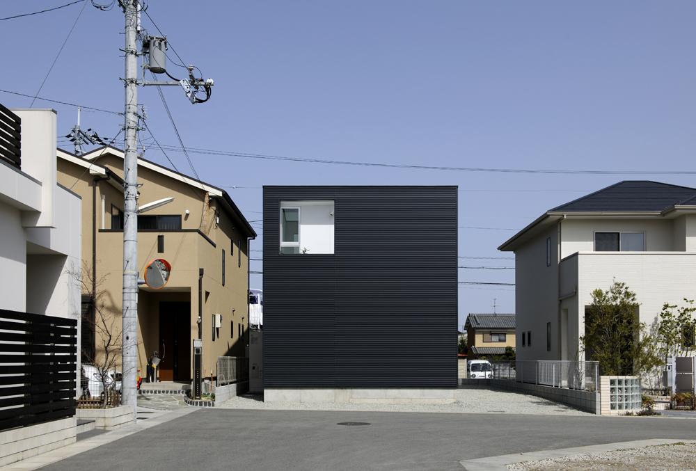 House in kashiba horibe associates architect 39 s office for Minimalist house of kashiba