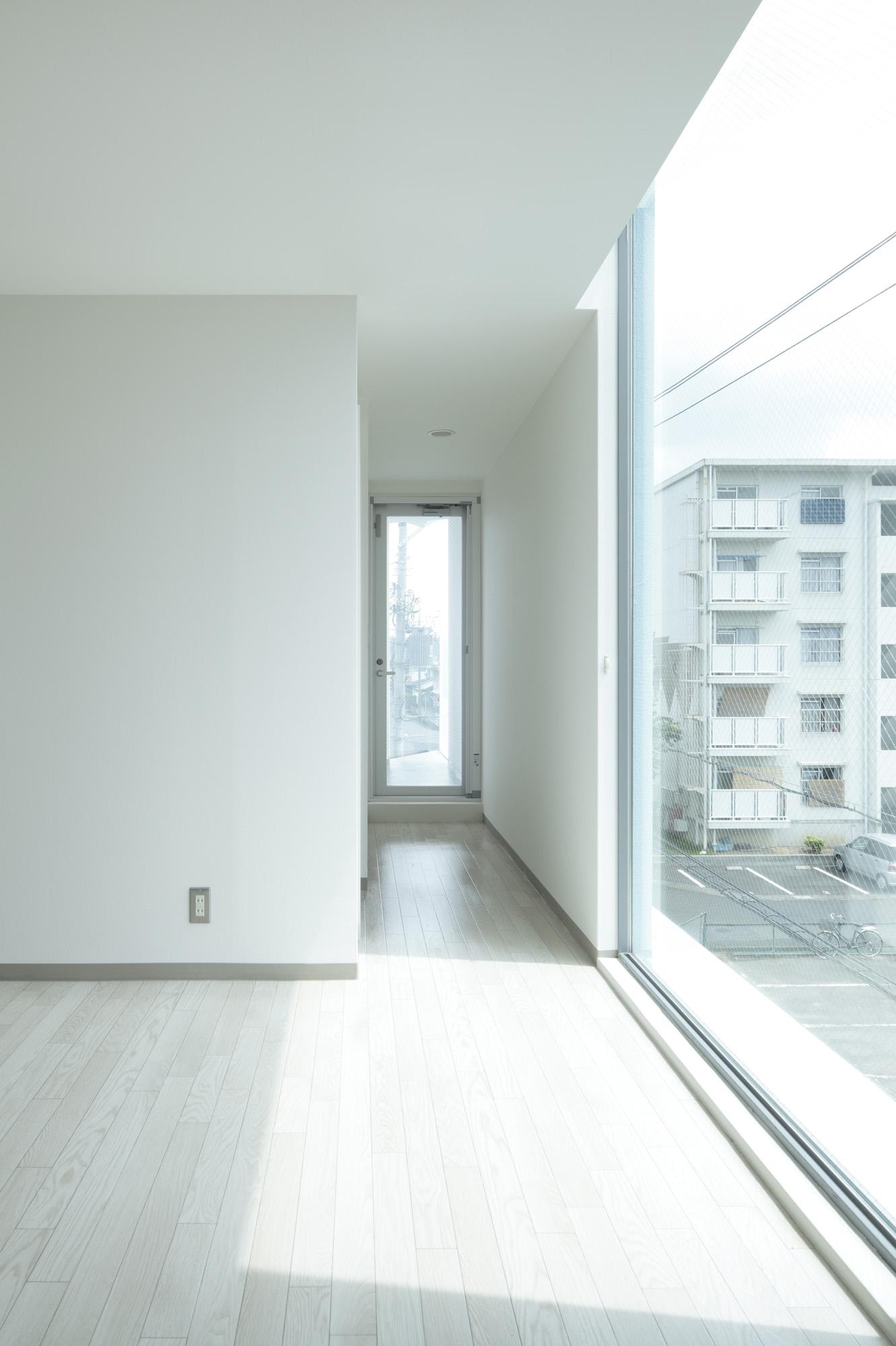 on the corner eastern design office mooponto. Black Bedroom Furniture Sets. Home Design Ideas